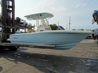 2019 Pioneer 222 Sportfish