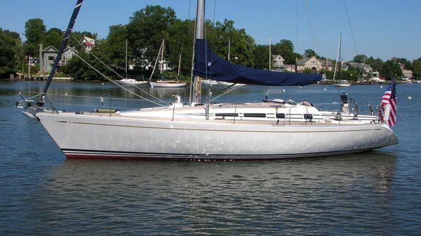 Nautor's Swan 44 MKII Hull P side