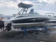 2012 Sea Ray 220 Sundeck