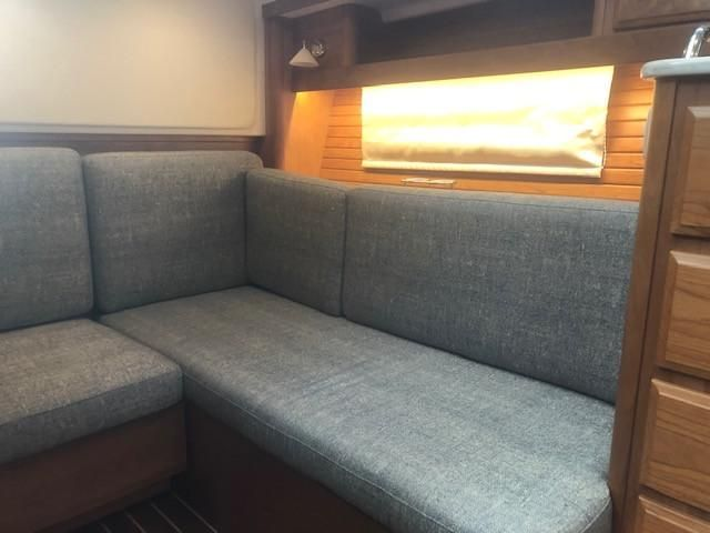 2019 Sabre 38 Salon Express