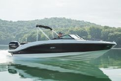 2021 Sea Ray SPX 210 OB