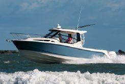 2021 Boston Whaler 325 Conquest
