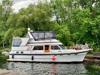 1984 Oceania 42 Sundeck Trawler