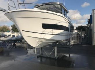 2021 Jeanneau Merry Fisher 895 Marlin Offshore