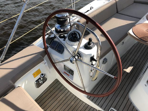 2011 Jeanneau For Sale Purchase