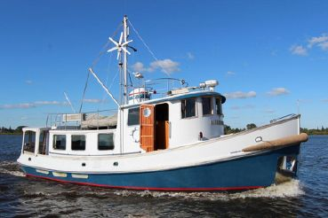 1987 Lord Nelson 49 Victory Tug