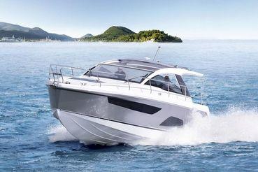 2020 Sealine S335