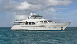 2009 Moonen Flybridge Motor Yacht
