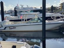 2016 Boston Whaler 27 VANTAGE
