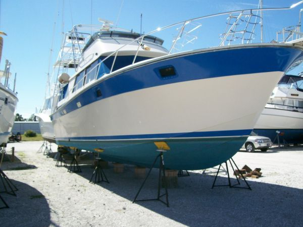 1986 Silverton Aft Cabin OWNER MOTIVATED!! - On The Hard