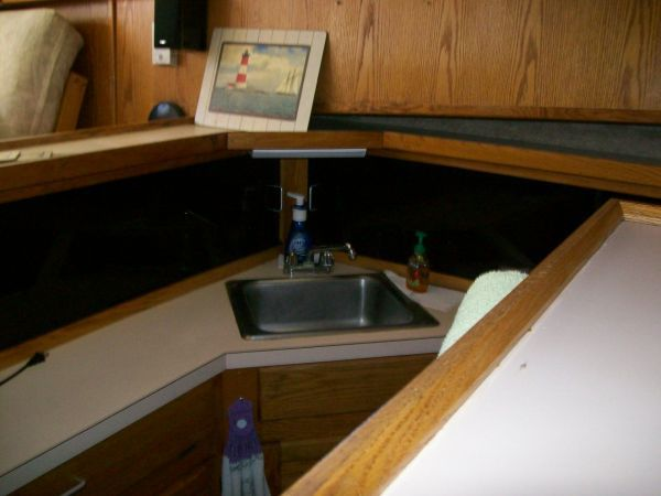 1986 Silverton Aft Cabin OWNER MOTIVATED!! - Galley