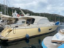 2010 Mochi Craft 54' Dolphin