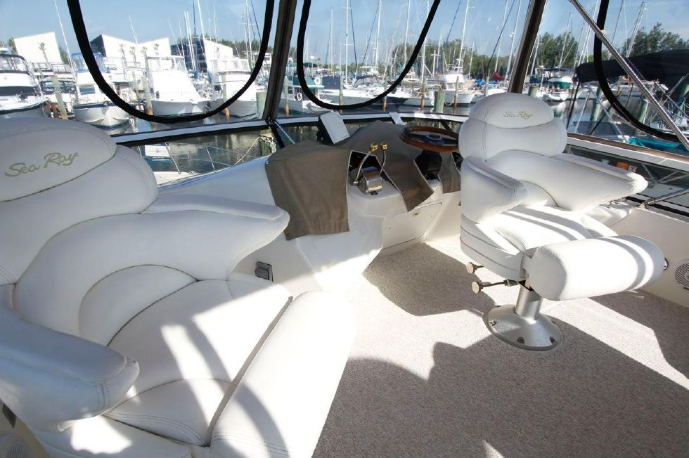 40 Sea Ray Sedan Bridge Flybridge w/new Bimini 'n Stratoglass