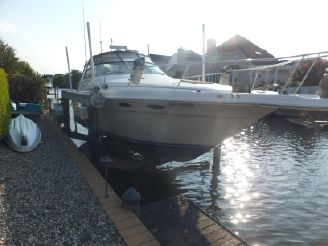 1996 Sea Ray 330 Sundancer-LIFT KEPT