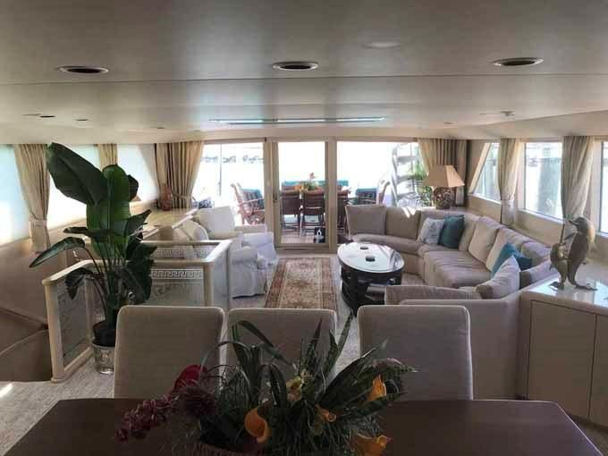 1990 Broward Custom Extended - Dining Area Looking Aft
