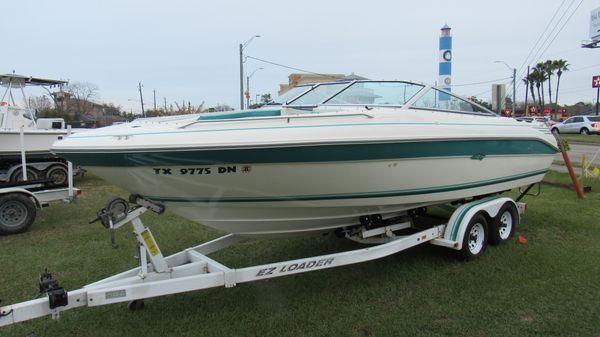 Sea Ray 225 Bowrider