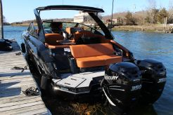 2021 Cruisers Yachts 338 South Beach Edition Bow Rider