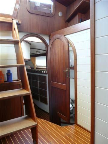 Companionway to aft stateroom