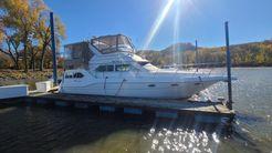 1997 Cruisers Yachts 3950 Motoryacht