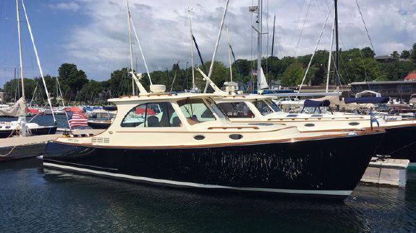 Hinckley Picnic Boat MKIII Offshore