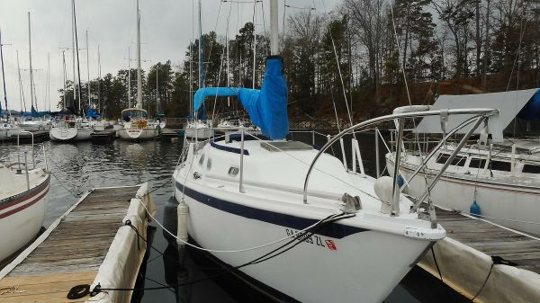 Ericson 27 Starboard View at Dock