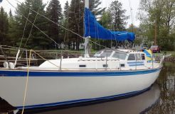 1979 Aztec Nautilus 36 Pilothouse