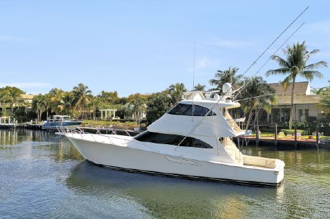 2015 Viking 62 Enclosed Bridge - Profile