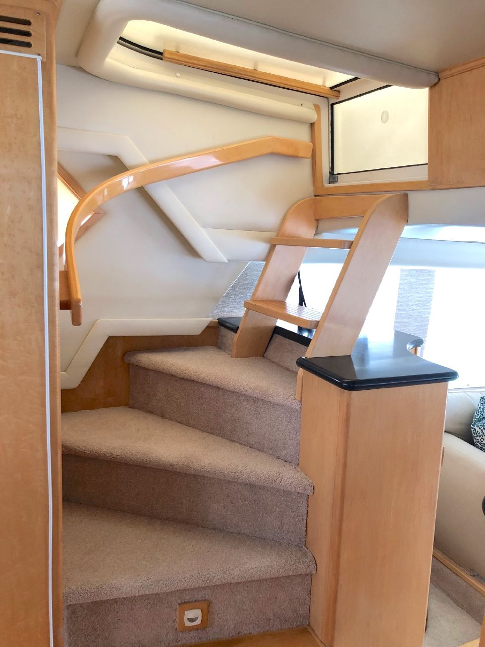1999 Navigator 6300 Pilothouse Custom Layout