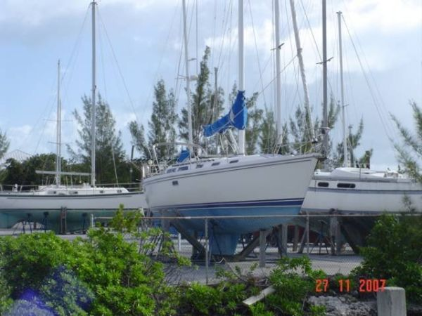 1992 Catalina Two Stateroom Sloop - On the Hard
