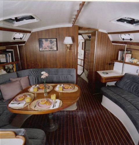 1992 Catalina Two Stateroom Sloop - Salon (sister ship)