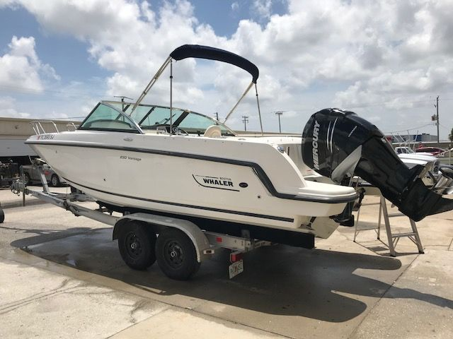 2014 Boston Whaler 230 Vantage 23 Boats for Sale - All
