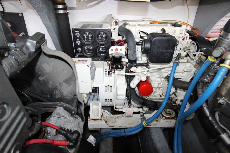 2002 Carolina Classic 28 - Electrical System / Equipment - Generator