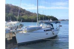 2010 Beneteau Oceanis 37
