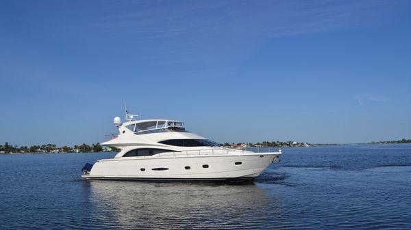 Marquis Flybridge Motor Yacht Family Time