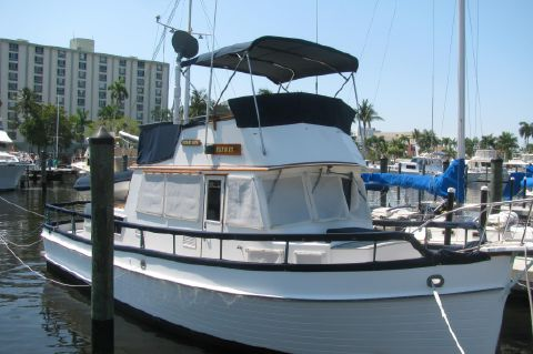 1985 Grand Banks Classic with beautiful teak - Beautiful Grand Banks 36 Classic