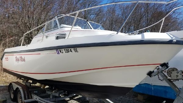 Used Boston Whaler 23 Conquest Boats For Sale - Cast Off