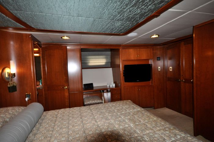 2001 Custom Luxury Motor Yacht Sell Massachusetts