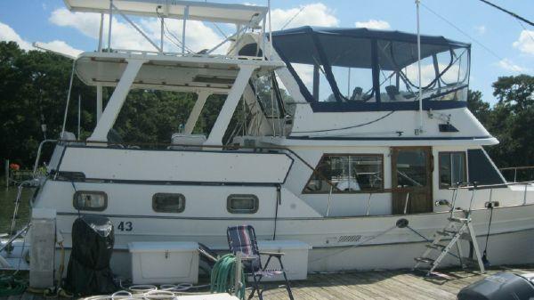 Albin 43 Trawler Sundeck