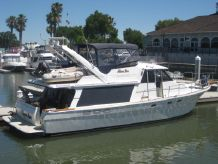1990 Bayliner 4588 Pilot House