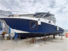 2005 Custom Sportfish 33 Cruiser