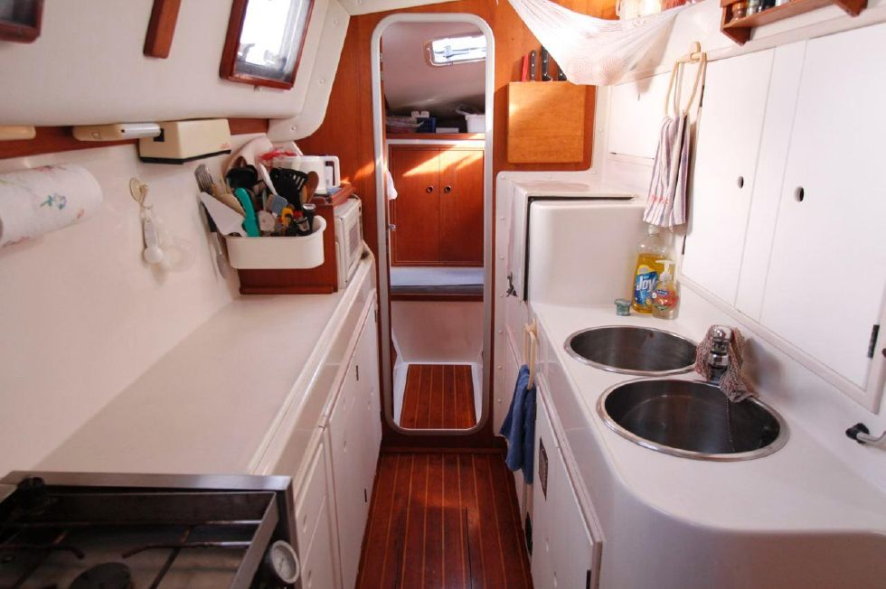 1993 PDQ Capella - PDQ 36 Galley in Port Hull