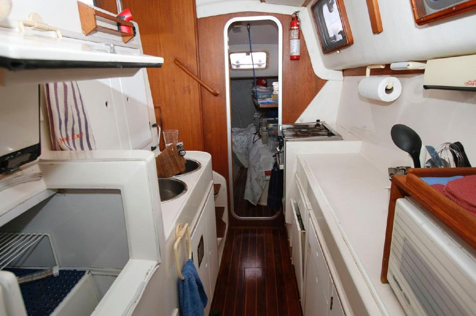 1993 PDQ Capella - PDQ 36 Galley Down Portside Looking Aft