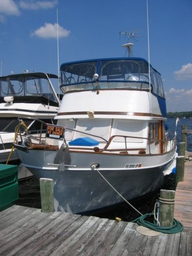 1978 Marine Trader Double Cabin - Bow View