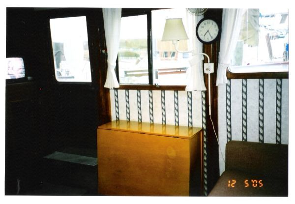 1978 Marine Trader Double Cabin - Salon portside