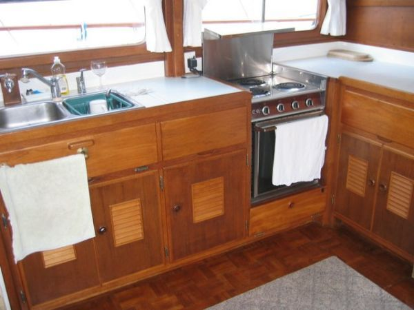 1978 Marine Trader Double Cabin - Galley