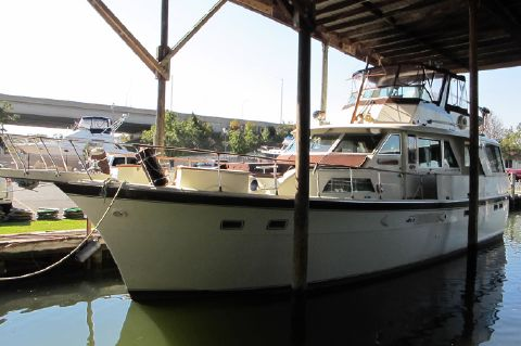 1970 Hatteras Exceptional 53 Classic - Heavenly Gates under cover