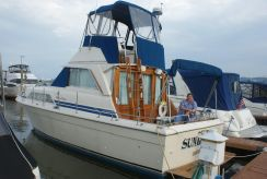 1980 Chris-Craft 333 Sedan w FWC INBOARDS