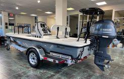 2021 Maverick Boat Co. 17 HPX-V
