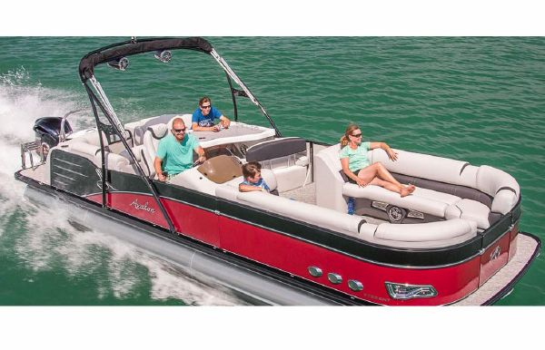 2018 Avalon Catalina Platinum Entertainer - 27'