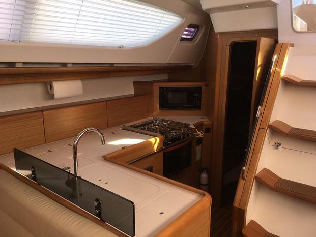 2010 Jeanneau Broker BoatsalesListing